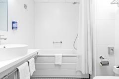 PARK INN MERITON WC